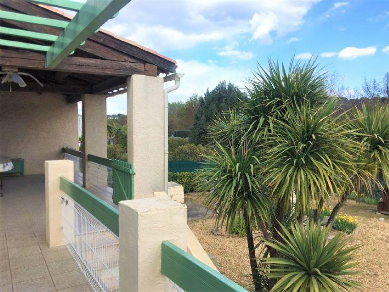 Entre Bassin de Thau et Pézenas, belle villa T7  sur terrain 1200 m² avec piscineNL21035