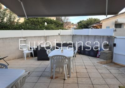 VIC LA GARDIOLE - HOUSE WITH COURTYARD AND PRIVATE PARKING SPACE - RESIDENCE WITH SWIMMING POOL - VERY GOOD CONDITION